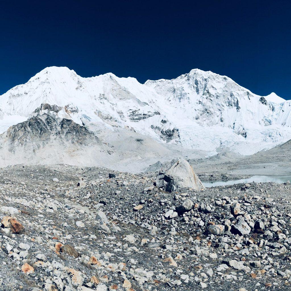 Kun tuntuu kurjalta - Mt. Everestin kiipeäminen
