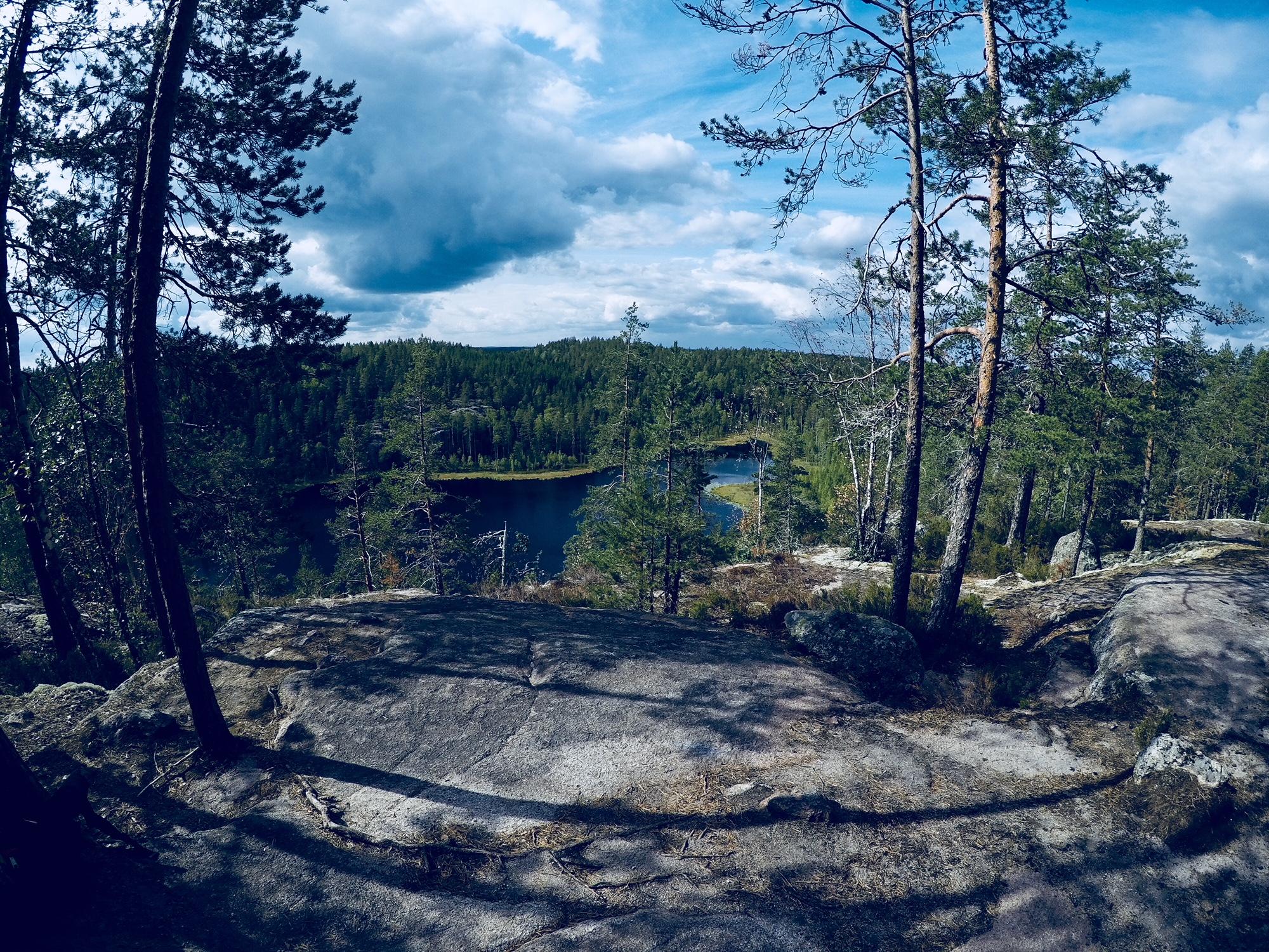 Repoveden kansallispuiston Tervajärven maisemat